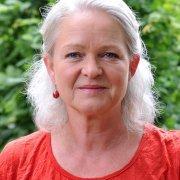 Dr. Carola Hasan